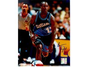 Tristar Productions I0000439 Brevin Knight Autographed Cleveland Cavaliers 8x10 Photo
