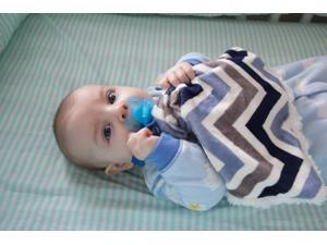 Bb Emerald Indoor Outdoor Travel Comfort Safety Newborn Infant Child Soft Baby Blue Chevron Minky Pacifier Blanket
