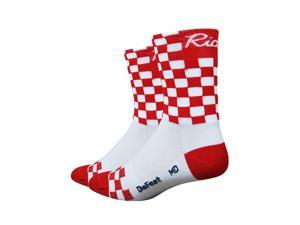 DeFeet AirEator HiTop Checkmate Ride Cycling/Running Socks - AIRCMWR (White/Red Checkers - M)