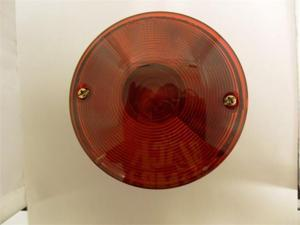AutoSmart UNIVERSAL MOUNT STOP / TURN / TAIL LIGHT RED W LICENSE ILLUMINATOR KL-20108L