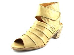 Everybody By BZ Moda Fidele Women US 6 Tan Sandals