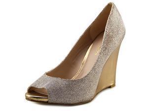Pelle Moda Windy-Tx Women US 8 Gold Peep Toe Platform Heel