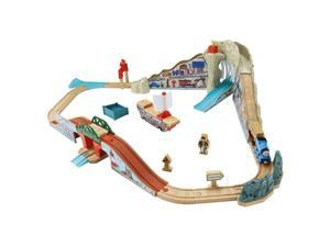 Fisher-Price Thomas & Friends Wooden Railway Pirate Cove Discovery Set