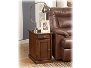 Chairside End Table in Medium Brown - Signature Design by Ashley Furniture