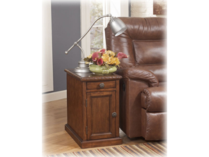 Chairside End Table in Dark Brown - Signature Design by Ashley Furniture