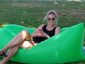 LoungeSak Hangout Breeze Inflatable Travel Lounge - GREEN