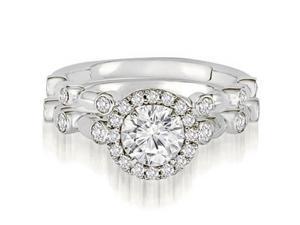 1.04 cttw. Halo Round Cut Diamond Bridal Set in Platinum (VS2, G-H)