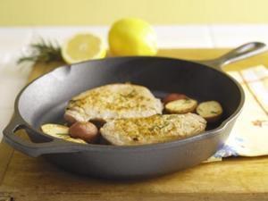 Lodge Logic L8SK3 10.25-inch Pre-Seasoned Cast Iron Skillet