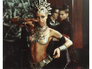 Queen of the Damned Screenshot - Aaliyah as Queen Akasha (10 x 8)