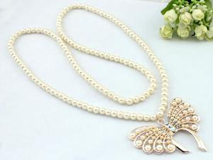 Elegant Alloy Rhinestone Artificial Pearl Butterfly Style Long Necklace Sweater Chain for Woman
