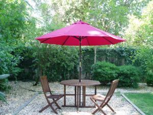 Eagle One Umbrella With Commercial Grade Polyester In Red