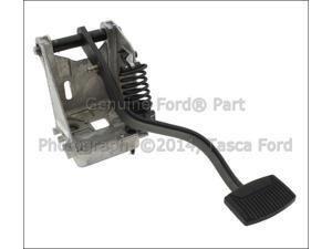 OEM Manual Transmission Clutch Pedal & Bracket Ford F Series Sd F650 F750