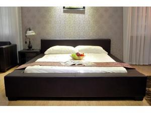 Greatime B1142 Eatern King Black Platform Bed