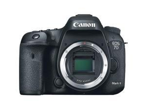 Canon EOS 7D Mark II Digital SLR Camera with 18-135mm IS STM Lens International Version