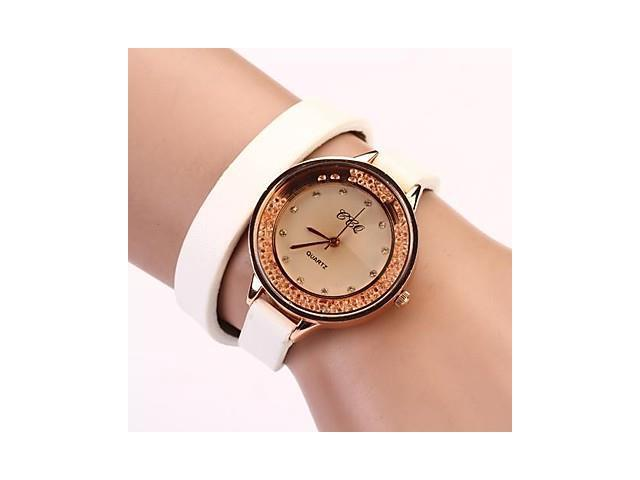 Women's Round Dial Cross Rhinestones Long Leather Korean Fashion Drill Simple Quartz Watches (Assorted Color) , Black