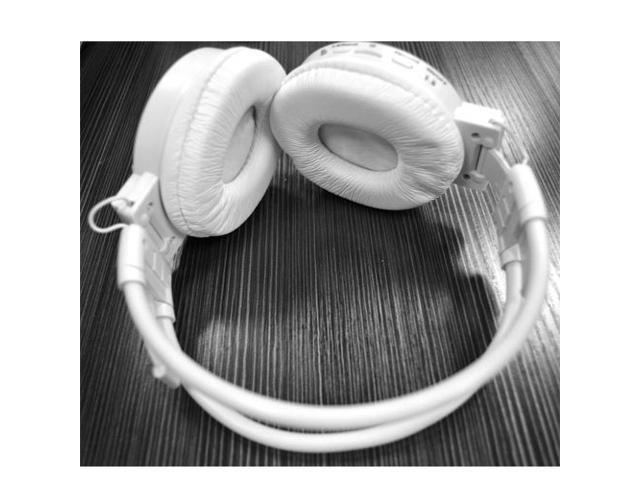 Folding Hi-fi sound Wireless Rachargeble Headphone Music MP3 FM Player from SD/MMC Card For Black