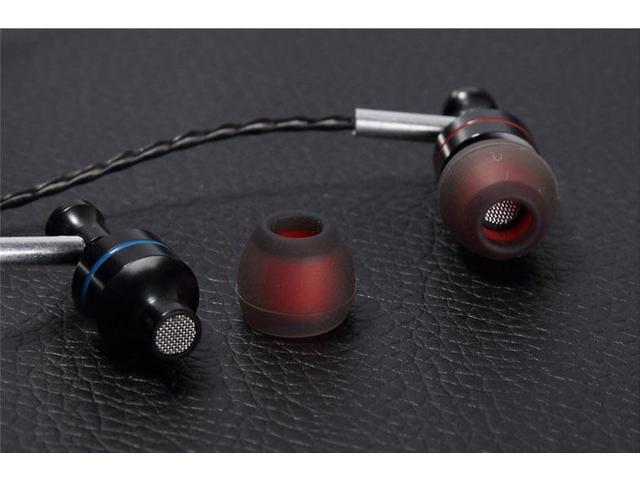 2015 New Brand In Ear Earphone With Mic Super Bass Music Headphone For IPhone Samsung MP3 Micphone Earphones fones de ouvido